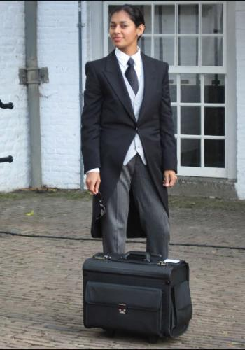 Arceli Rivero from Belize - Graduate of The International Butler Academy - with the Pilot Briefcase